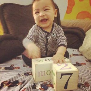 Look at Me!!! I'm 7 Months Today.